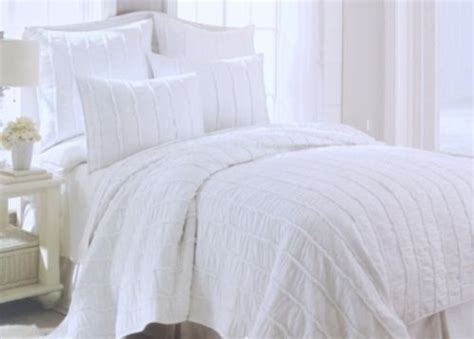 White On White Quilts by White Ruffled Bedding Style Quilts And Quilt