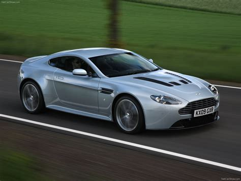 Aston Martin Vantages Aston Martin Vantage V12 Review Images