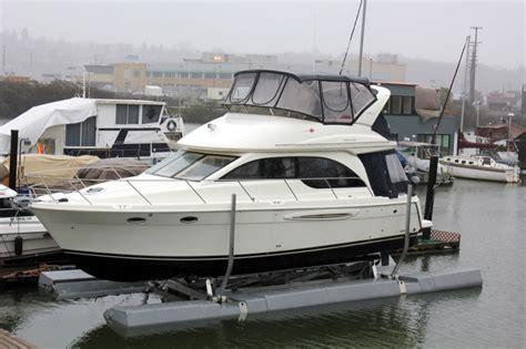 floating a boat lift sunstream boat lifts 187 floatlift premium free floating