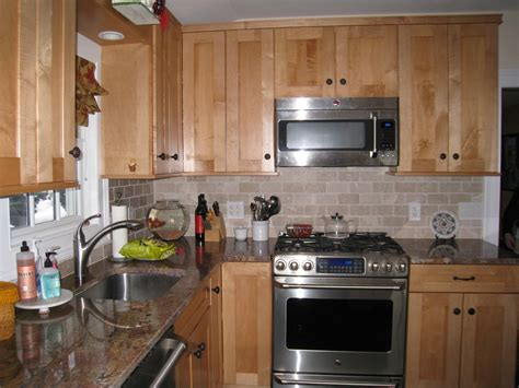 maple kitchen ideas craftsman style maple cabinets with craftsman style tile