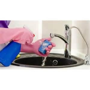 l entretien et le nettoyage d une cr 233 dence de cuisine