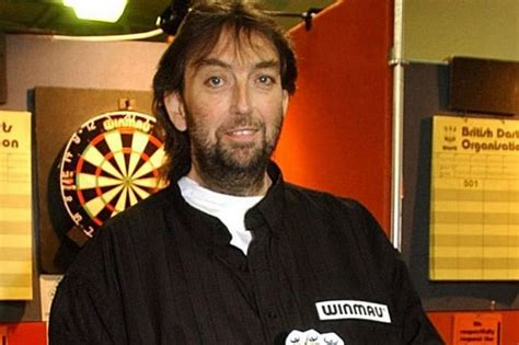 former darts champ andy fordham s weight balloons again