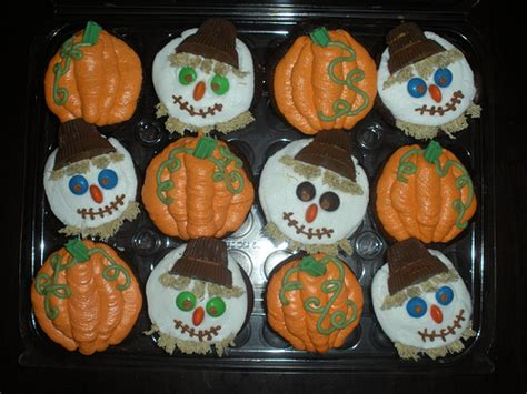 fall cupcake decorations pumpkin fall cupcake ideas for by romika ifood tv