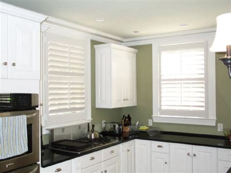 Green And White Kitchen Cabinets Black And White Kitchen Design Ideas
