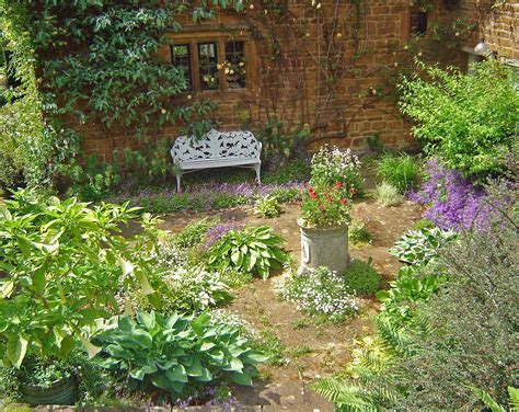 At The Cottage Decorating With - 25 cottage garden designs decorating ideas design