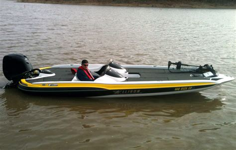 used bass boats at bass pro stratos 210 elite now a chion hull page 2 bass