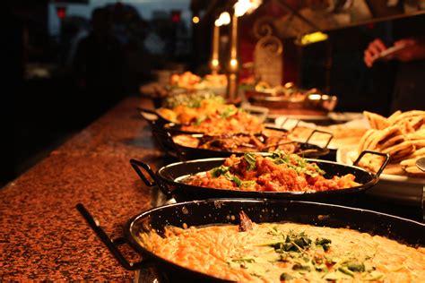 Khana Khilana Wedding Caterer In Bangalore Weddingz India Buffet Price