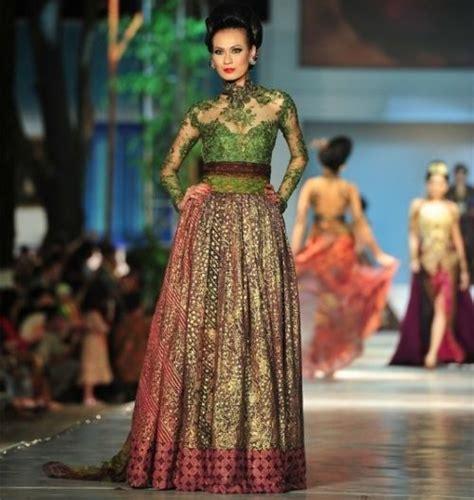 design kebaya batik modern kebaya modern dengan kombinasi brokat dan batik karya anne