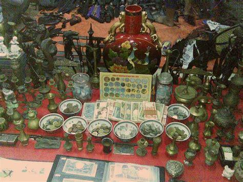 Barang Antik Dari Perak 12 pasar unik dari berbagai daerah yang menunjukkan betapa