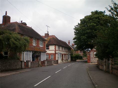 houses to buy in west sussex file houses in high street findon sussex jpg wikimedia