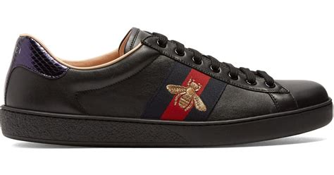 Sepatu Cewek Gucci Sneaker Ace Embroidered Leather Bee Putih Mirror O lyst gucci new ace bee embroidered leather trainers in black for