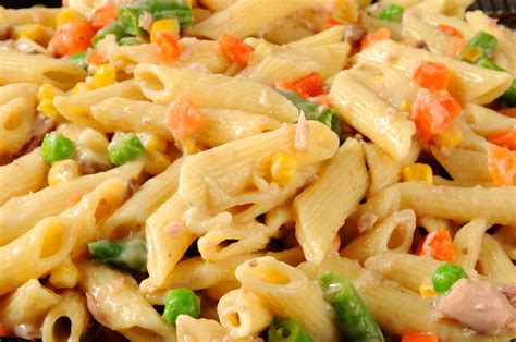 simple tuna noodle casserole recipe grandma s easy tuna noodle casserole kain klab