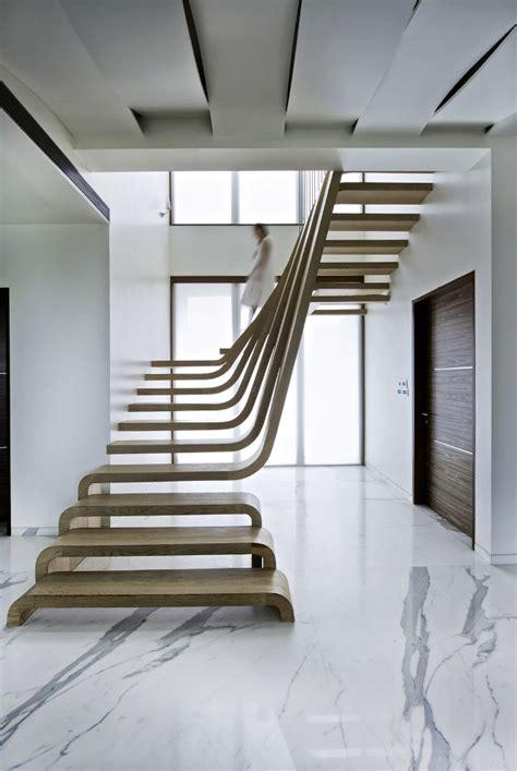 Hyla Architects design houten trap als pronkstuk eyespired