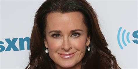 how to do real housewife hair the secret to real housewife kyle richards incredible