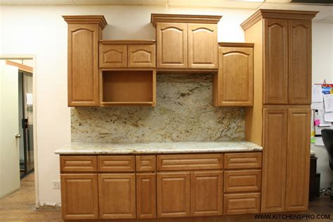 Golden Cabinet by Kitchen Cabinets Golden Oak Quicua