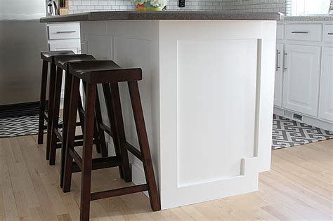 how to add moulding to a kitchen island withheart