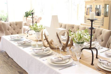 what decorations are suitable for the dining table 17 magical christmas dining table decoration ideas