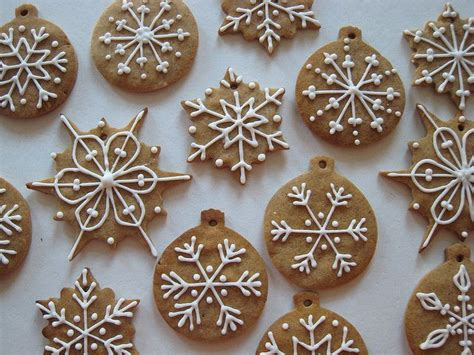 Decorating Gingerbread Cookies by Gingerbread Cookie Frosting Design Inspiration I
