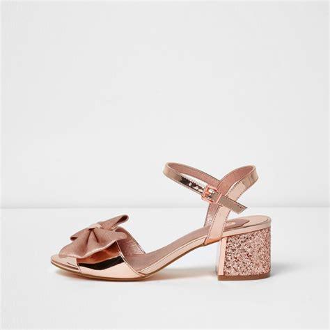 gold block heel sandals gold metallic bow block heel sandals shoes boots