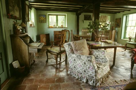 what are the small rooms that monks lived in called monks house treasure hunt