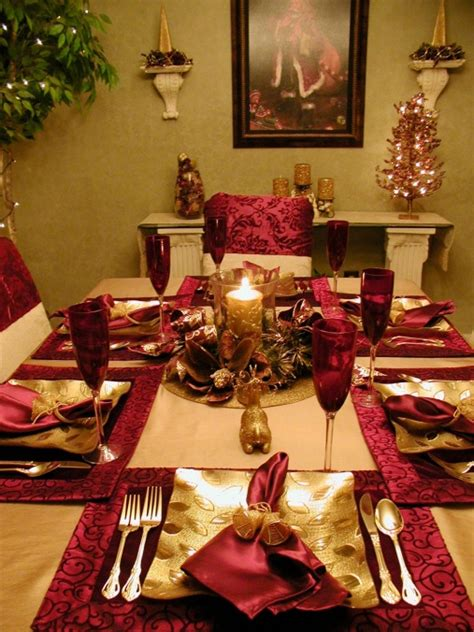 christmas table settings ideas pictures christmas table decorations entertaining ideas party themes for every occasion hgtv
