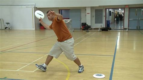 layout drill ultimate frisbee ultimate frisbee drill throwing into a soccer net youtube