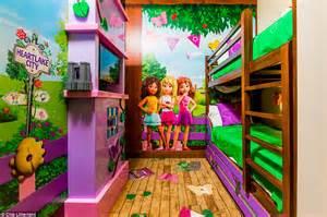 Two Bedroom Suites Orlando Legoland Florida Resort Opens Legoland Hotel For Business