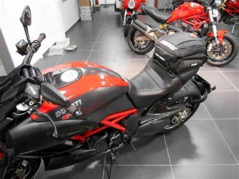 dainese  tail bag motosiklet kuyruk cantasi