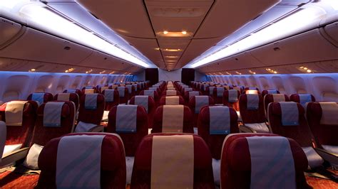 Qatar A380 Cabin by Qatar Airways Ungdoms Studentbiljetter Kilroy