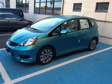 blue raspberry  honda fit sport mt review walk  interior start  quick drive