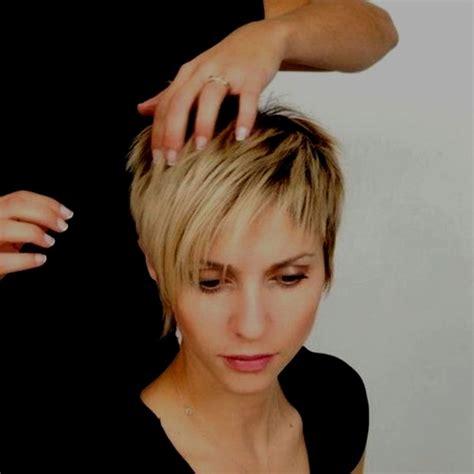 Modele Cheveux Court Femme