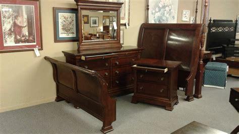 bassett queen bedroom set delmarva furniture consignment