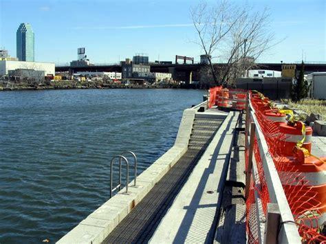 boat launch queens pulaski bridge greenpoint brooklyn long island city queens