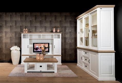 mobili provenzale parete porta tv provenzale arredamenti provenzali shabby chic