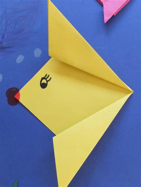 was kann mit papier basteln tiere aus papier basteln fische falten