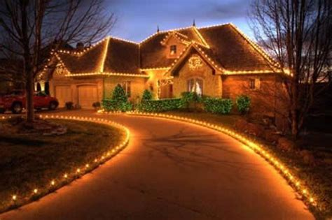 beautiful christmas homes decorated make your christmas magical simple ways of draping your
