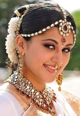 chic indian bridal hair accessories  die