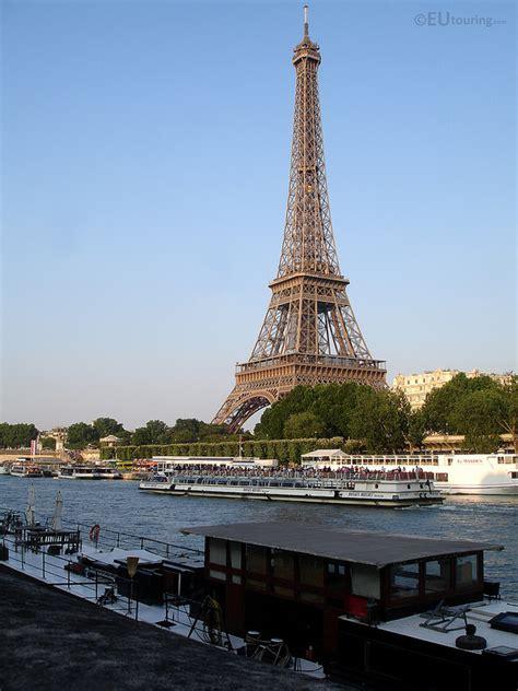 bateau mouche ou le prendre comment d 233 couvrir paris en bateau le blog viaprestige
