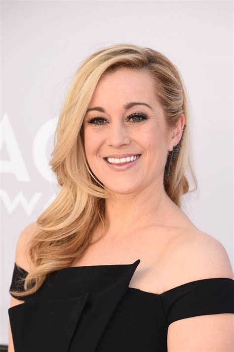 Kellie Pickler Hairstyle Photos 2017 by Kellie Pickler Academy Of Country Awards 2017 In