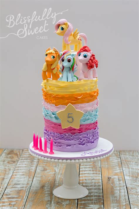 my little pony friendship is magic cake gallop on over for adorable my little pony cakes and cupcakes