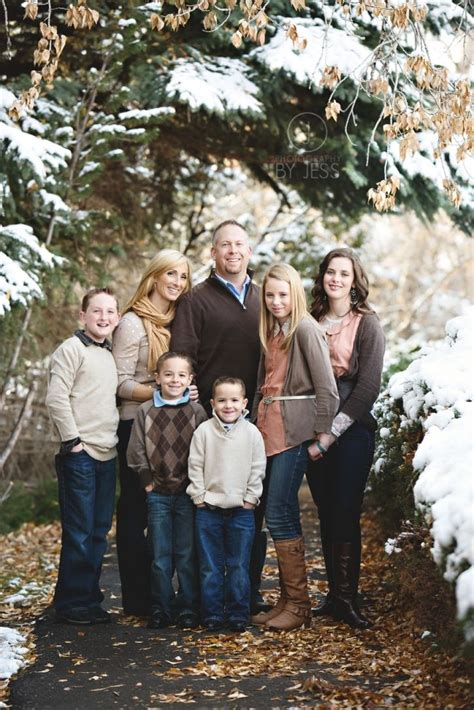 family photo color ideas pin by dayna ruggles on family photos pinterest