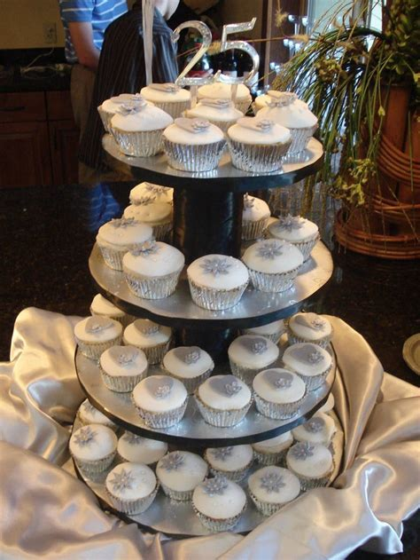 1000  ideas about 25th Anniversary Cakes on Pinterest