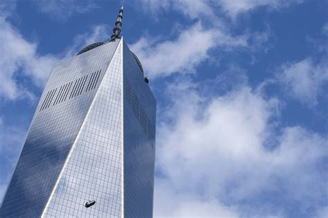 1 wtc floors window washers rescued from scaffold dangling at 1 world