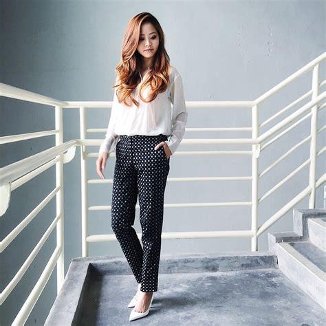 zara patterned jeans shelly tan h m patterned pants zara white heels on