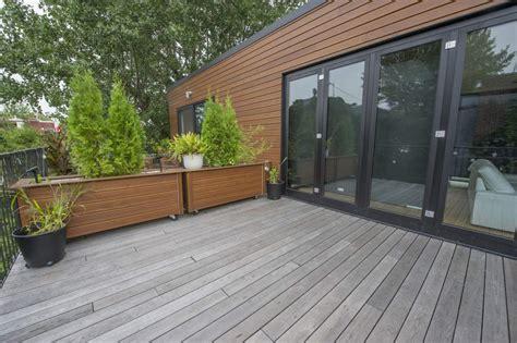 Revetement De Patio Exterieur rev 234 tement de patio en bois torr 233 fi 233 photos