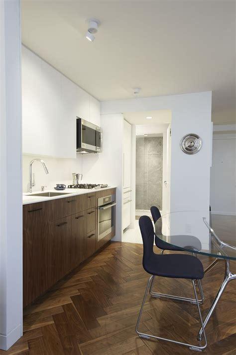 Corian Flooring Bathroom 1000 Ideas About White Corian Countertops On