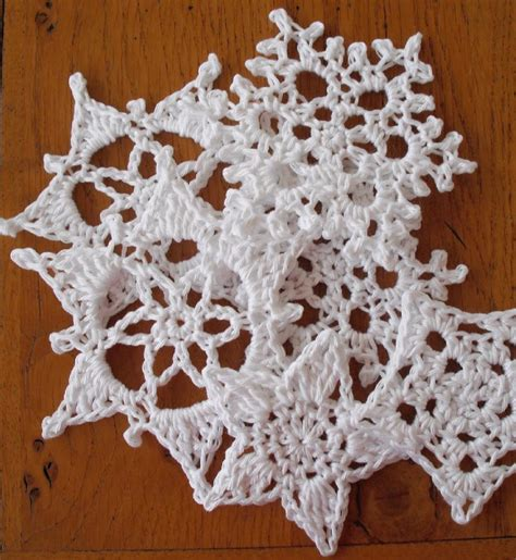 snowflake patterns crochet easy quick and simple snowflakes and stars crochet pattern by