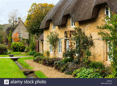 cottages in cotswolds cotswolds cottages stock photos cotswolds cottages stock