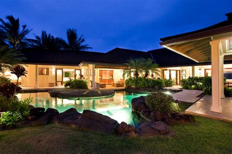 obama hawaii home obama s winter whitehouse 24 500 week pricey pads