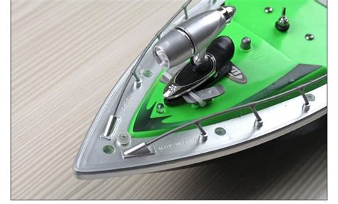 remote control fishing boat with fish finder goture 2016 mini rc remote control fishing bait boat 200m